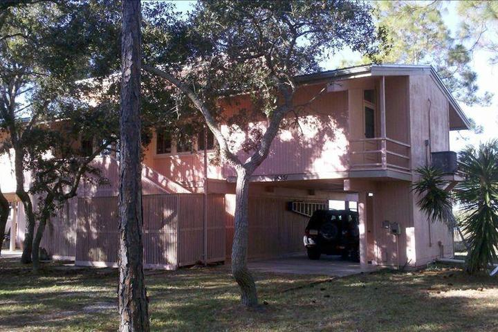 Amazing Pet Friendly Vacation Rentals In Cedar Key Fl Bring Fido Download Free Architecture Designs Sospemadebymaigaardcom