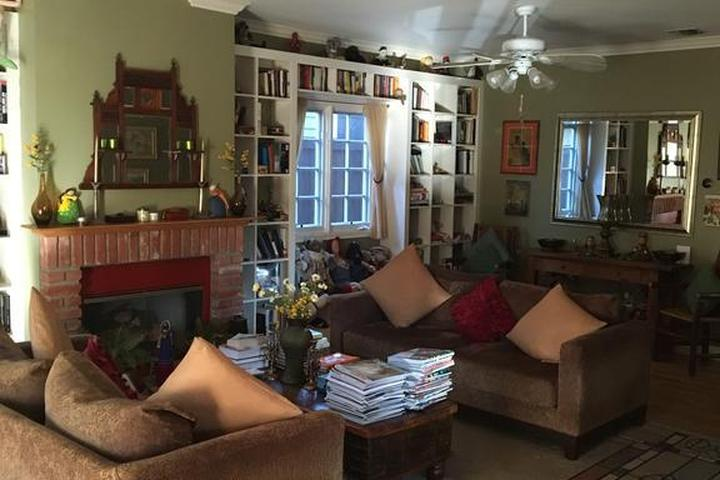 Pet Friendly Elaine's Hollywood Bed & Breakfast