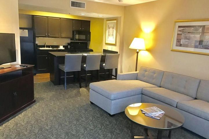 Pet Friendly Chase Suite Hotel Brea