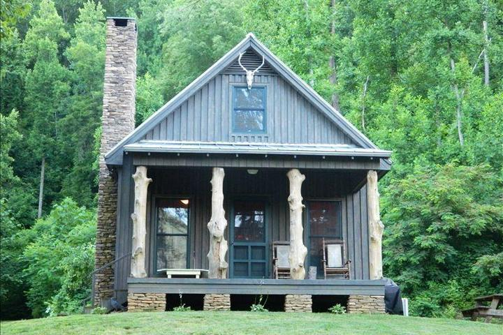 Pet Friendly High Lonesome Cabin