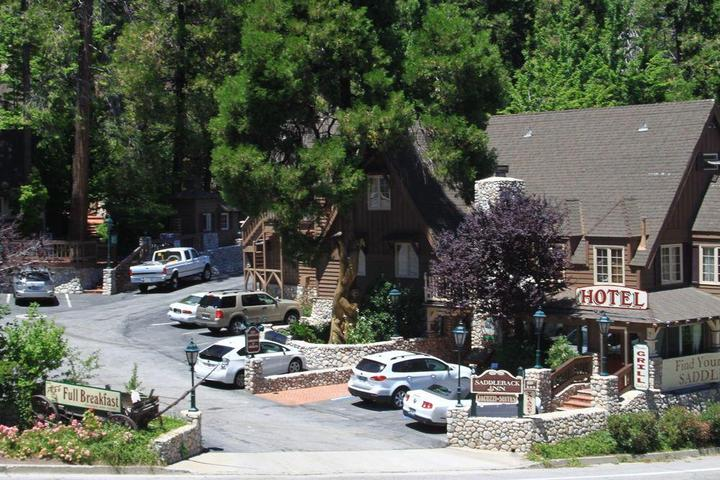 Pet Friendly Saddleback Inn