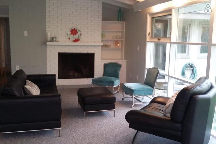 Pet Friendly Chagrin Falls Airbnb Rentals