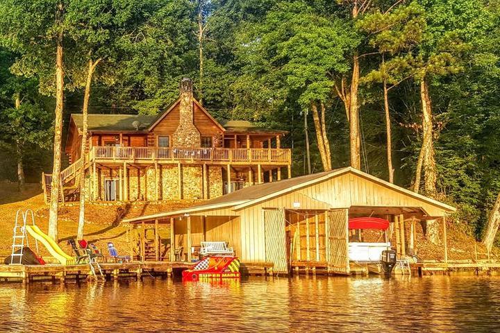 Pet Friendly Lake Mitchell Cabin