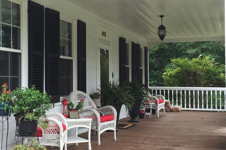 Pet Friendly Hope Mills Airbnb Rentals