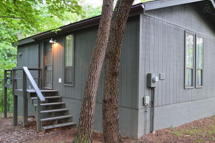 Pet Friendly Hedgesville Airbnb Rentals