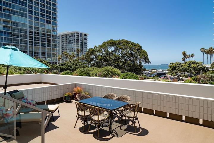 Pet Friendly Stunning Large Coronado Shores Terrace Condominium