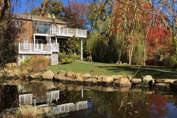 Pet Friendly Exquisite Waterfront Rental