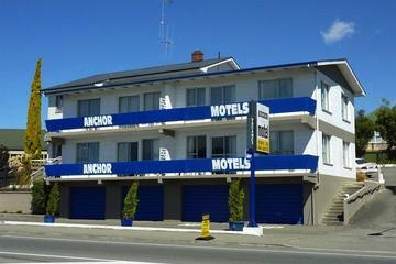 Pet Friendly Anchor Motel Hostel