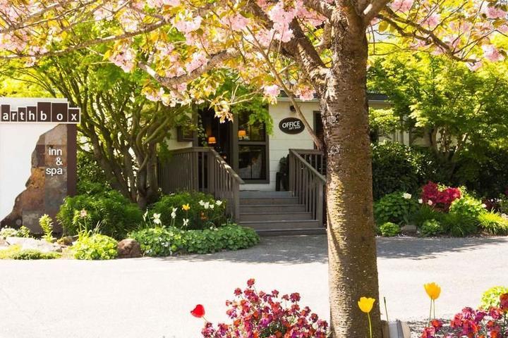 Pet Friendly Earthbox Inn & Spa
