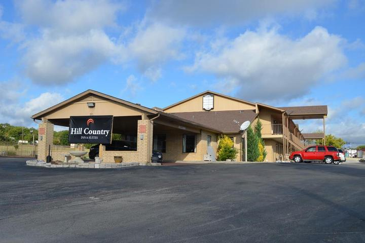 Pet Friendly Hill Country Inn and Suites