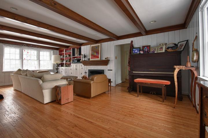 Pet Friendly Horsham Airbnb Rentals