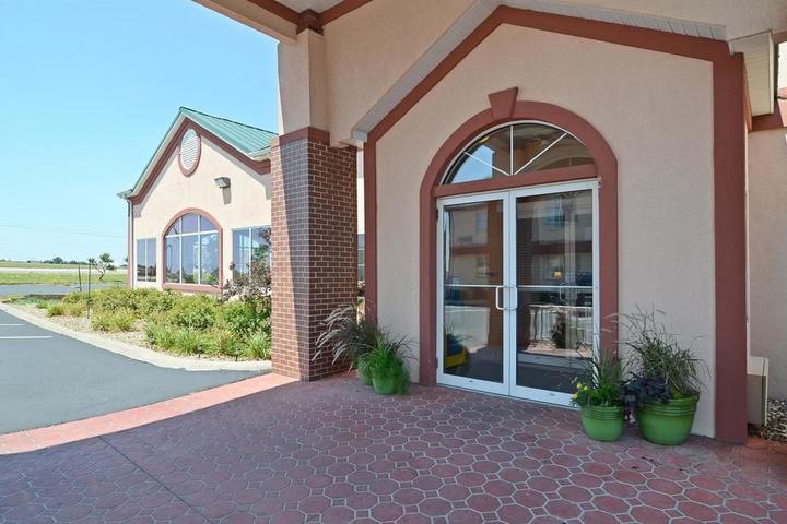 Pet Friendly Best Western Pioneer Inn & Suites