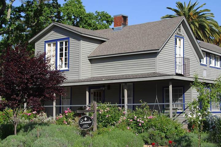 Pet Friendly Lavender, A Four Sisters Inn