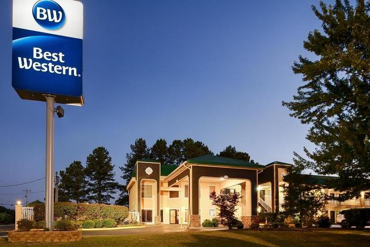 Pet Friendly Best Western Fairwinds Inn