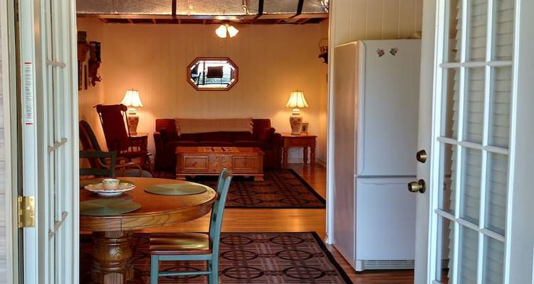 Blairsville Airbnb Rentals Pet Policy