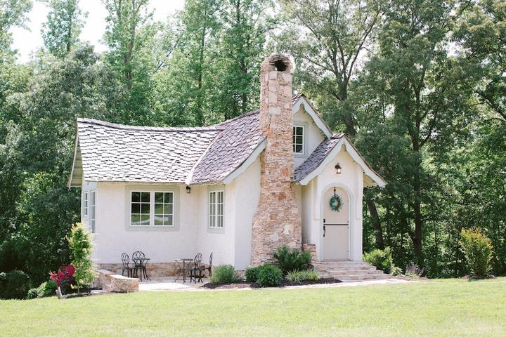 Pet Friendly Hansel & Gretel Fairytale Cottage