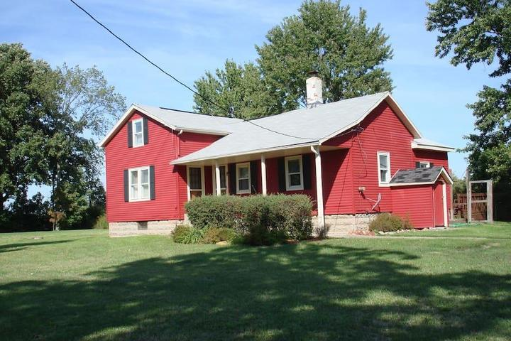 Pet Friendly South Amherst Airbnb Rentals
