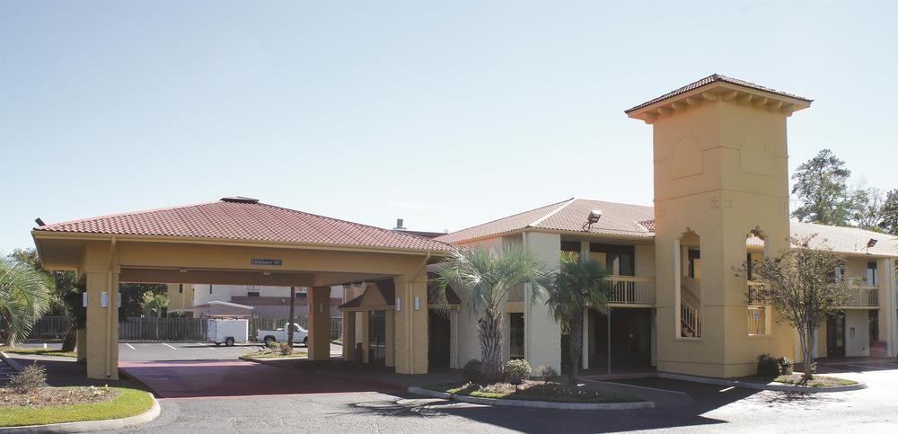 pet friendly hotels in savannah, ga bring fidopet friendly la quinta inn savannah i 95 in savannah, ga