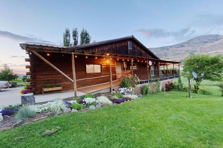 Pet Friendly Livingston Lodge
