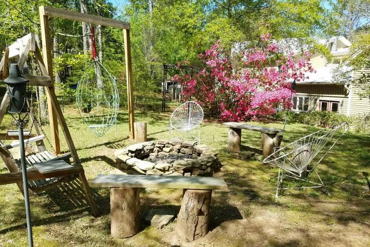 Pet Friendly Ashville Airbnb Rentals