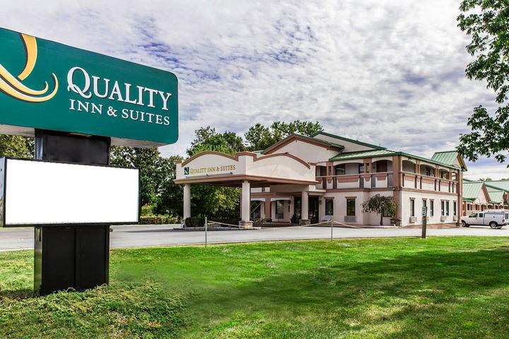 Pet Friendly Quality Inn & Suites Quakertown