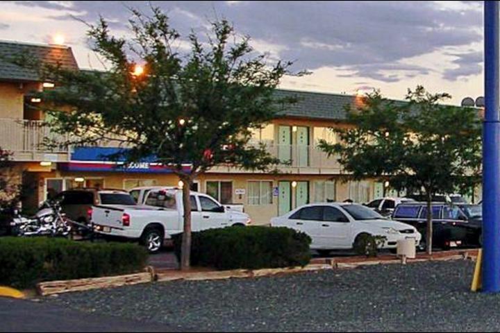 Pet Friendly Motel 6 Holbrook