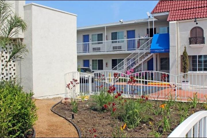 Pet Friendly Motel 6 Gardena