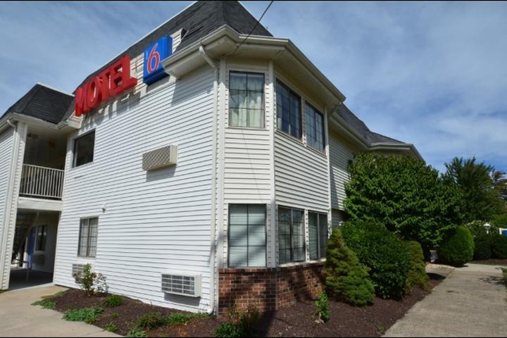 Pet Friendly Motel 6 Wethersfield