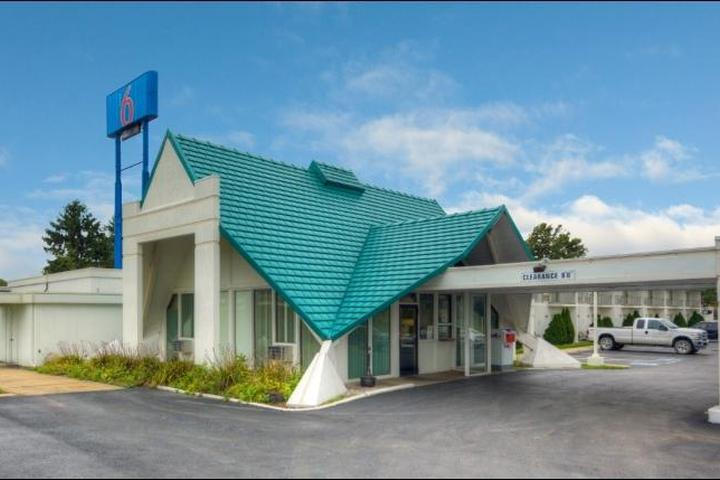 Pet Friendly Motel 6 Geneva
