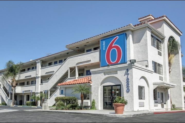 Pet Friendly Motel 6 Bellflower