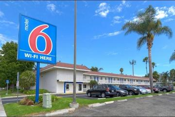 Pet Friendly Motel 6 Costa Mesa