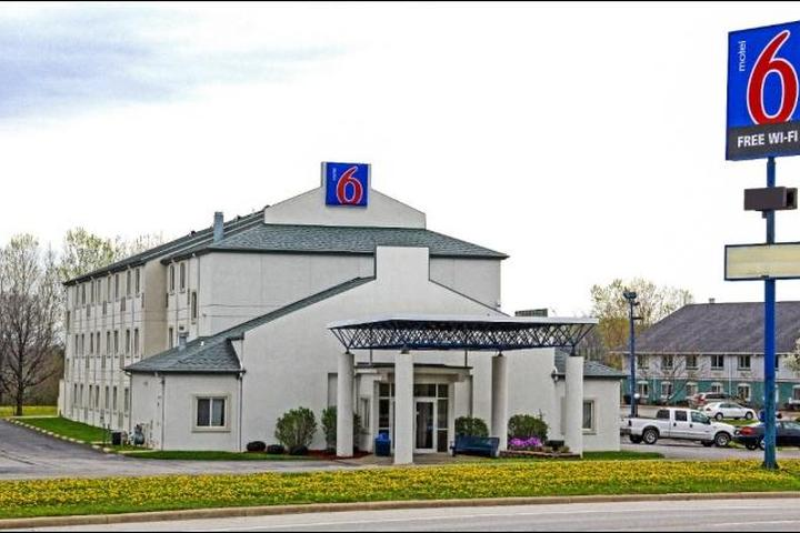Pet Friendly Motel 6 Milan