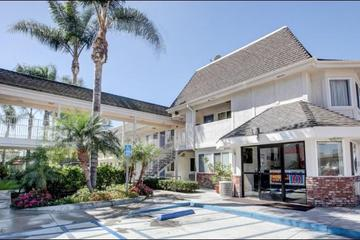 Pet Friendly Motel 6 Westminster North