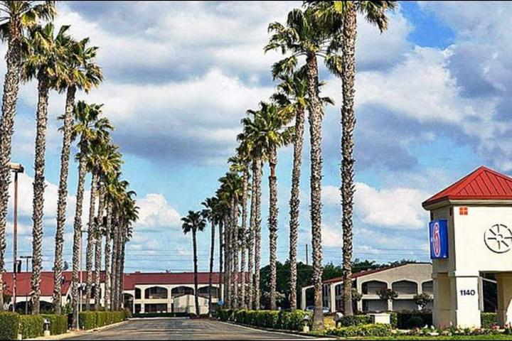 Pet Friendly Motel 6 Lodi