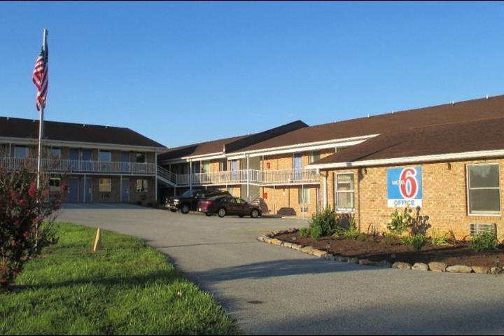 Pet Friendly Motel 6 Charles Town