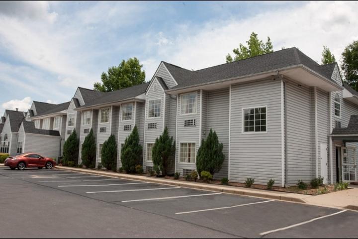 Pet Friendly Motel 6 Greenville Simpsonville