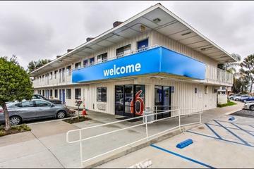 Pet Friendly Motel 6 Salinas South
