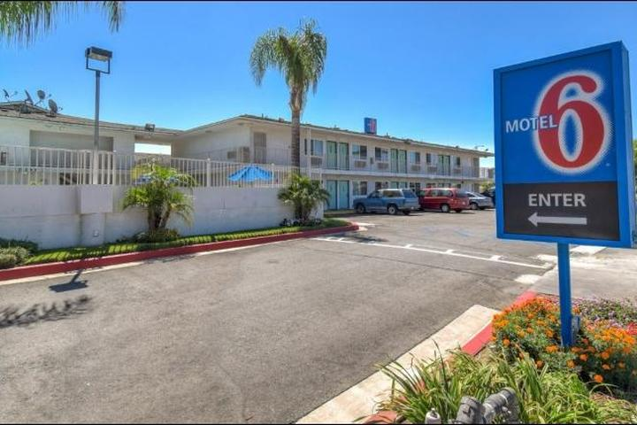 Pet Friendly Motel 6 Fontana