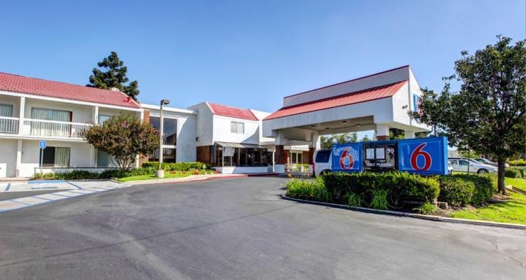 Motel 6 Irvine Orange County Airport Pet Policy