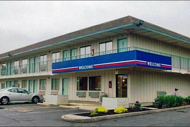 Pet Friendly Motel 6 Amherst