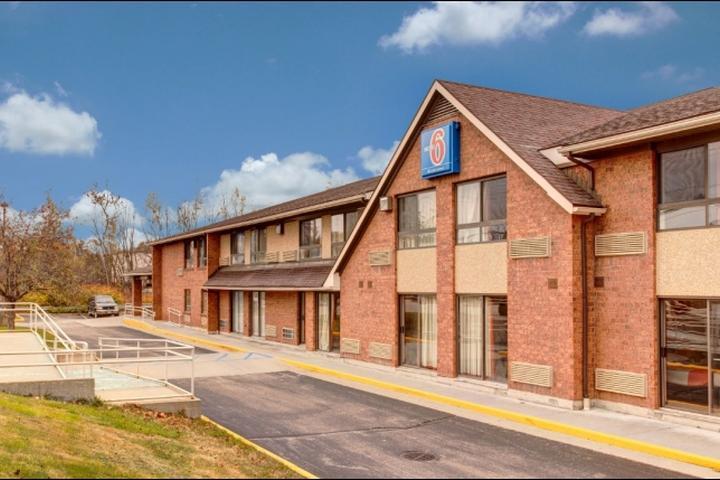 Pet Friendly Hotels in Lewiston, ME - Bring Fido