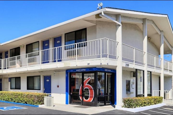 Pet Friendly Motel 6 Walnut Creek
