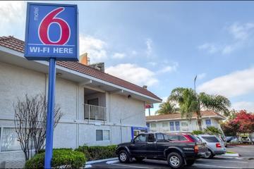 Pet Friendly Motel 6 Los Angeles Norwalk