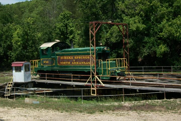 Pet Friendly Eureka Springs & North Arkansas Railway