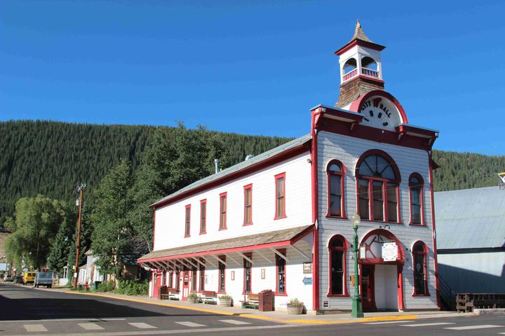 Pet Friendly Crested Butte Heritage Walking Tour