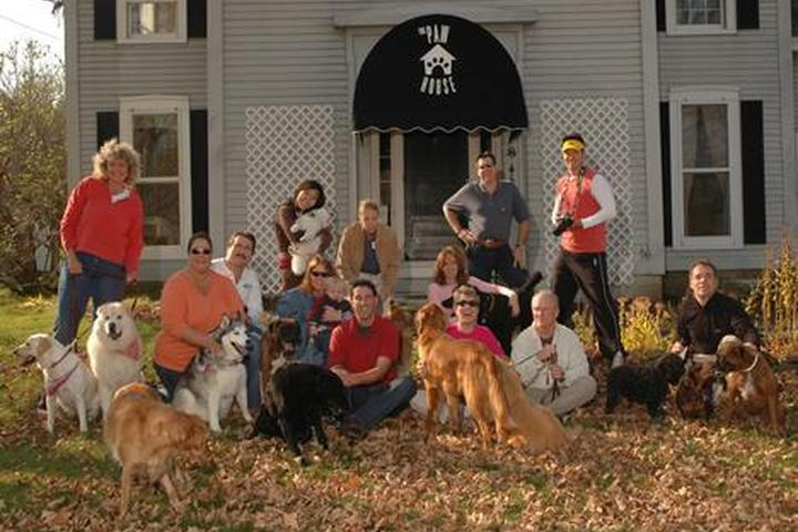 Pet Friendly The Paw House Inn & Cottages