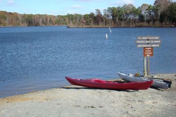 Pet Friendly Lake Mackintosh Park & Marina
