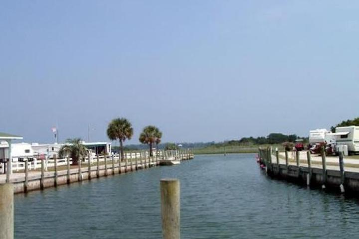 Pet Friendly Waterway RV Resort