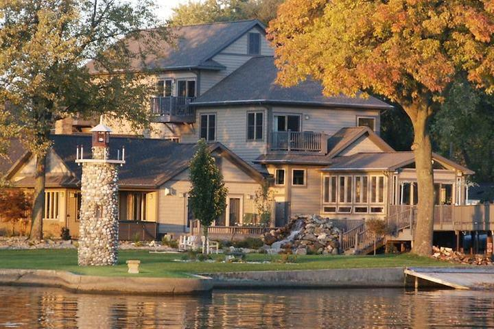 Pet Friendly Lighthouse Lodge B&B on Lake Shafer