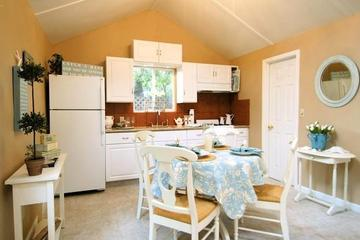 Pet Friendly Seashell Guest Cottage